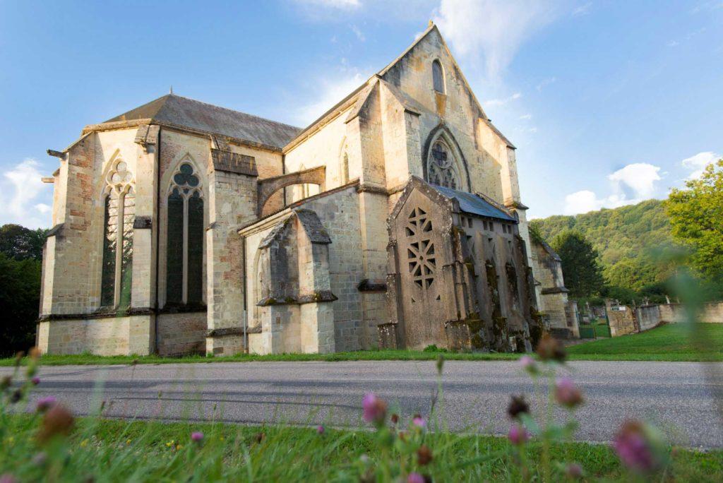 Vue de l'église de l'abbaye de Lachalade Argonne Meuse