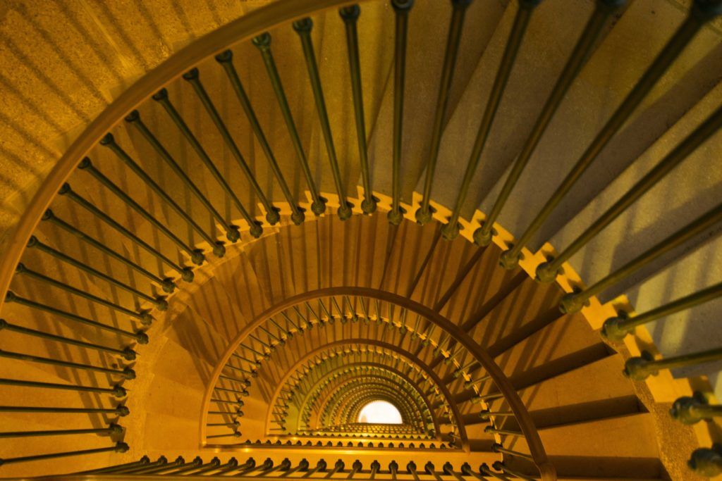 Les escaliers de la tour américaine de Montfaucon d'Argonne Meuse