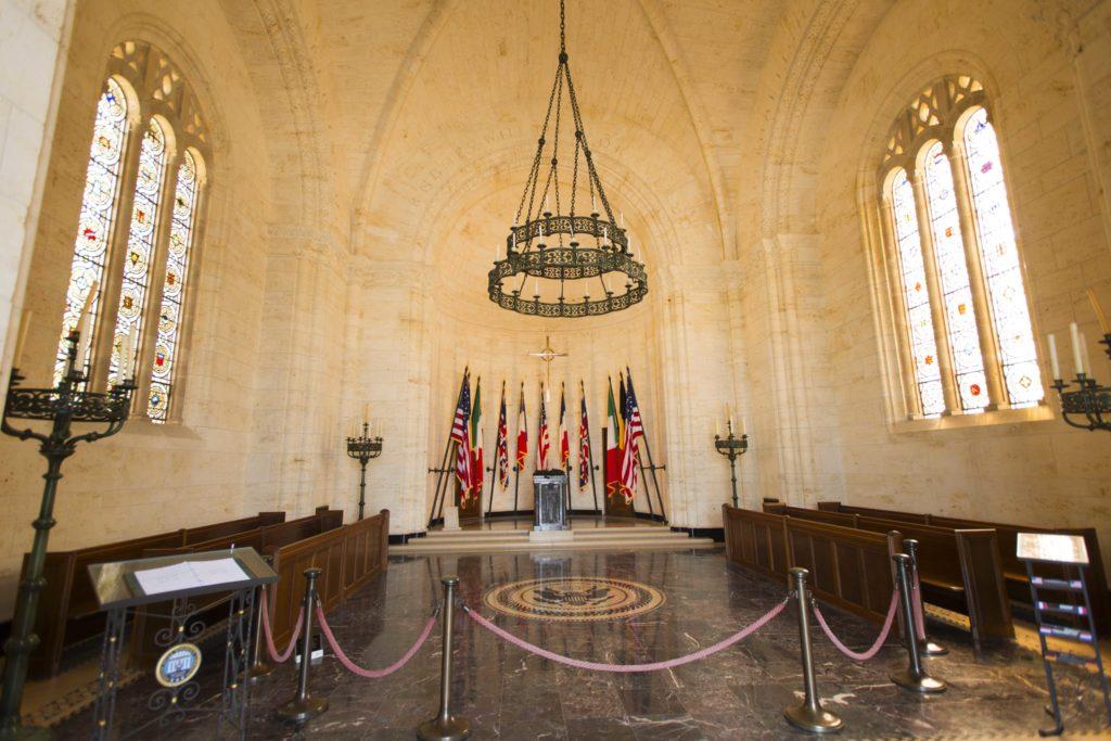 L'intérieur de la chapelle du cimetière américain Meuse-Argonne à Romagne sous Montfaucon