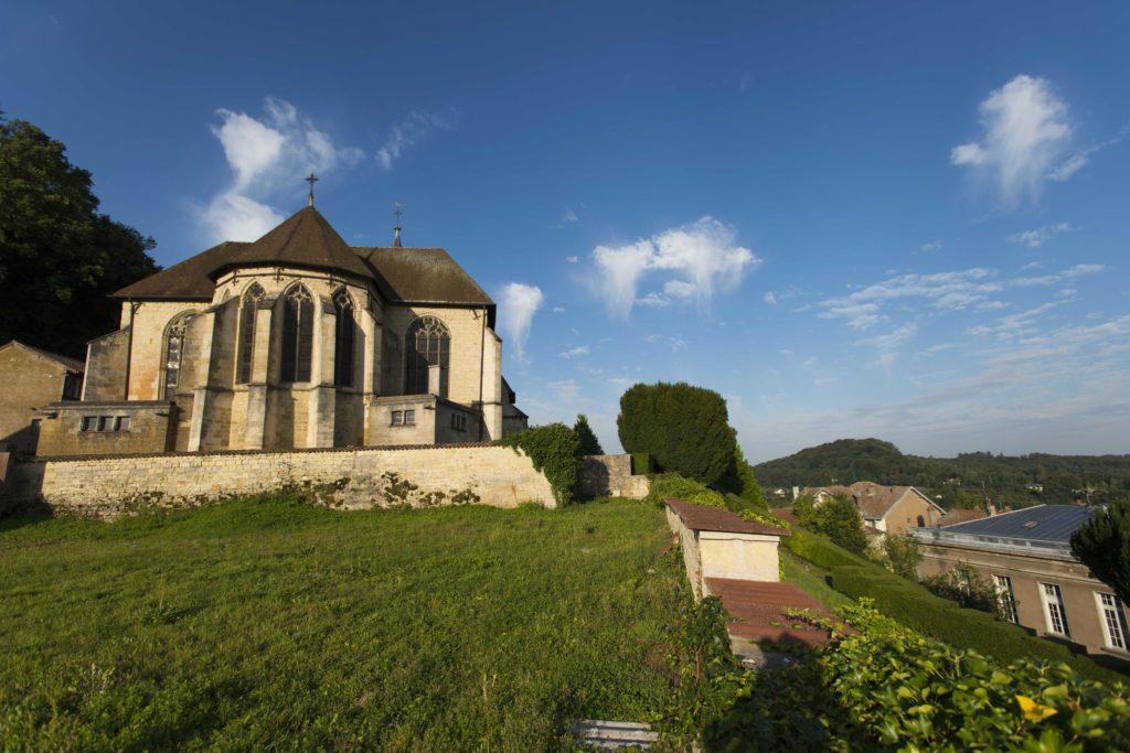 Vue extérieur de l'église Saint-Didier à Clermont en Argonne Meuse