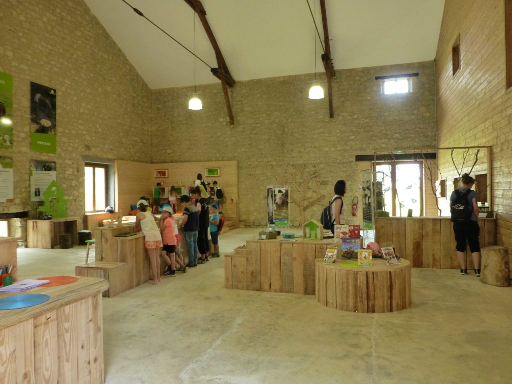 L'espace d'accueil à la ferme de la hardonnerie à Vauquois Argonne Meuse
