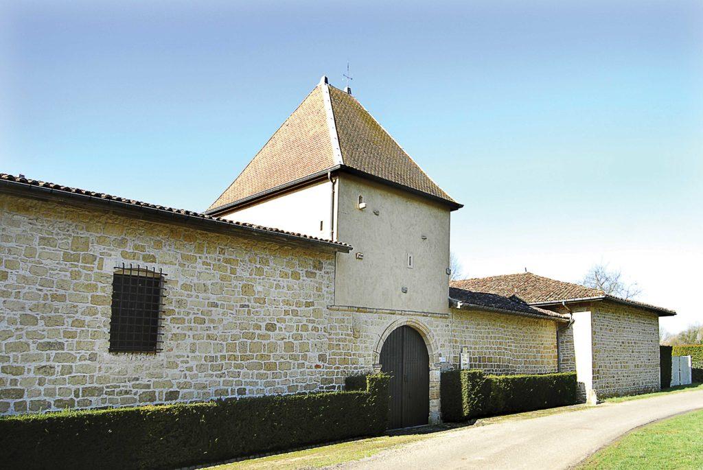 Extérieur de la maison forte de Rarécourt Argonne Meuse