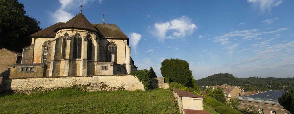 Vue extérieur de l'église Saint Didier à Clermont en Argonne