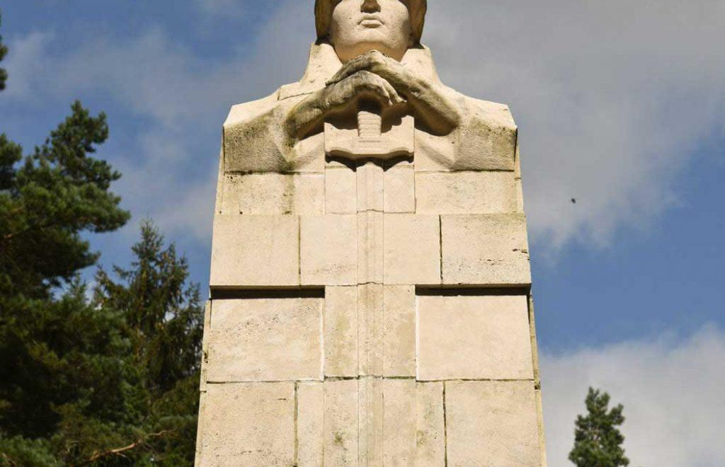 Monument Ossuaire de la Haute Chevauchée